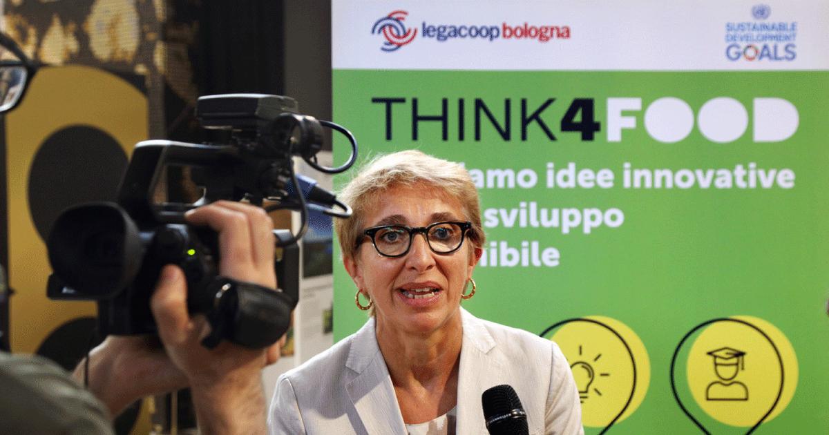 Legacoop Bologna alla ricerca di startup innovative, progetti sviluppati da giovani professionisti, da ricercatori o da studenti universitari che hanno idee innovative per la ripartenza e per lo sviluppo sostenibile della filiera cooperativa agroaliThink4Food Legacoop Bolognamentare.